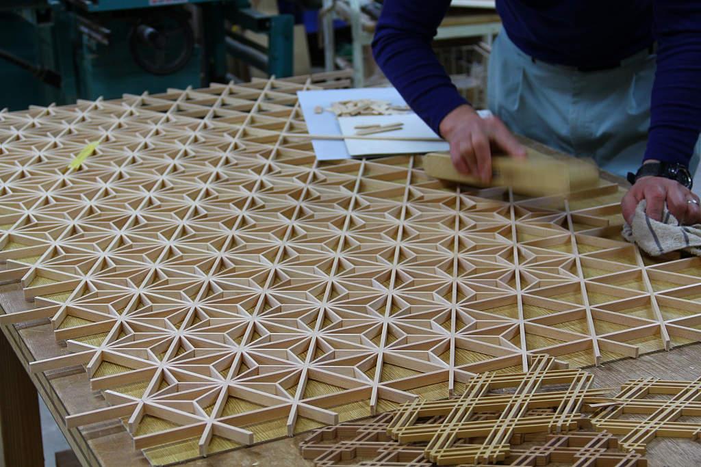 Kumiko zaiku takumi japanische raumgestaltung for Holzverbindungen herstellen
